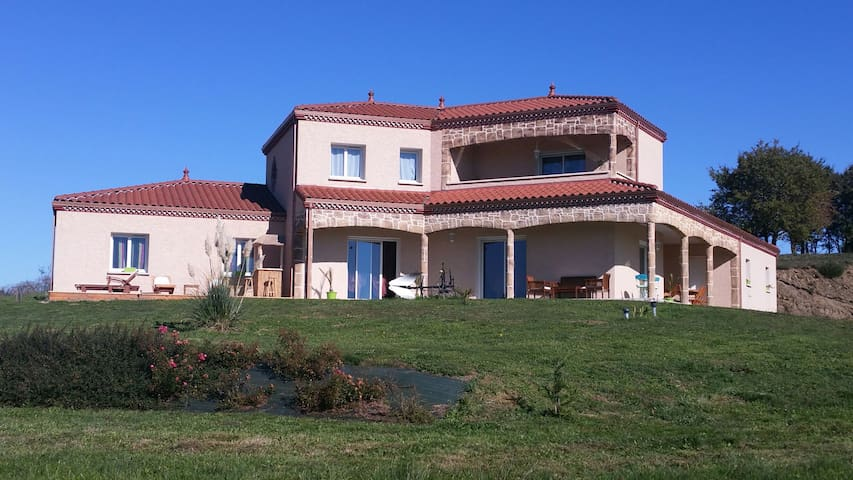 "Suite Exotique ""Les Soleils du Lac"" - Chaniat - Bed & Breakfast"