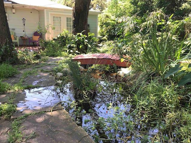 Secret Garden-Near Downtown Houston- private entry
