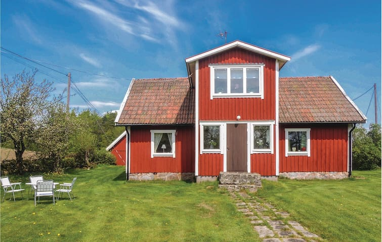Holiday cottage with 3 bedrooms on 80m² in Strö (Hidden by Airbnb) äsbruk