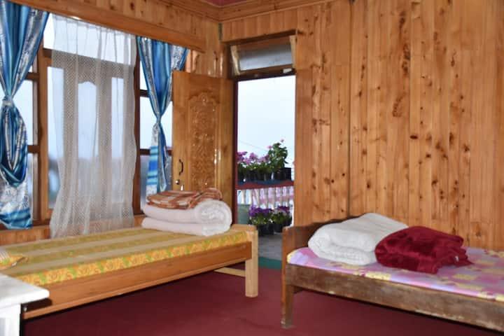 Charkhole Homestay (Penta Room)-Heaven on Earth