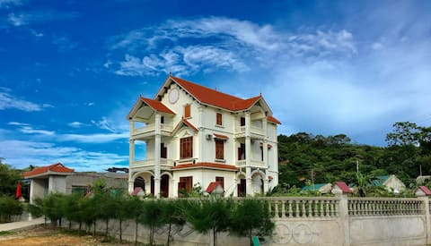 Home By The Sea Thanh Lan