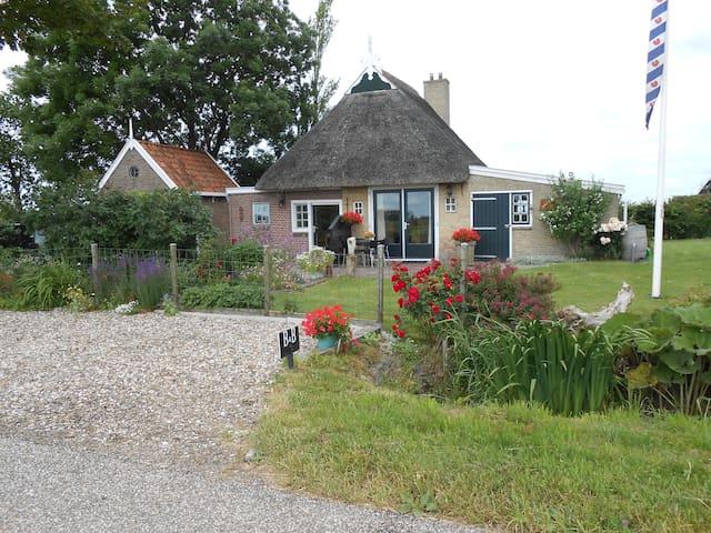 B&B aan de Waddenkust Friesland - Ternaard - Lägenhet
