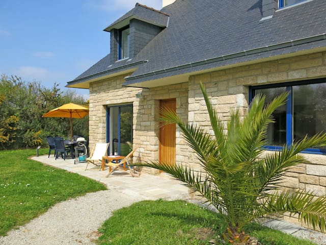 140 m² holiday home in Sarzeau for 9 persons