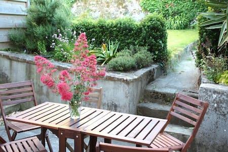 Maison avec jardin, 900 m plage - St Jean du Doigt