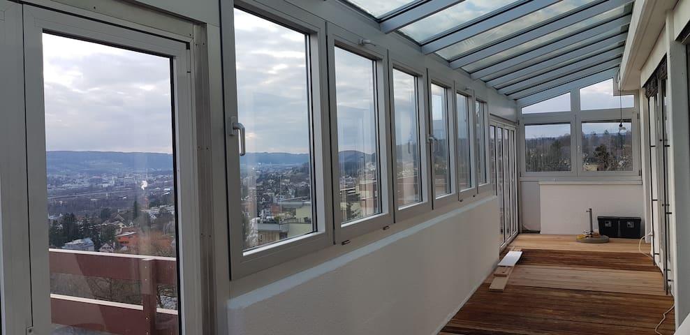 Idyllische Dachwohnung mit Aussicht