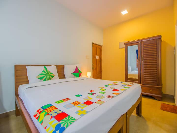 OYO Lightning Deal⚡- Elegant 1 BR Stay, Goa