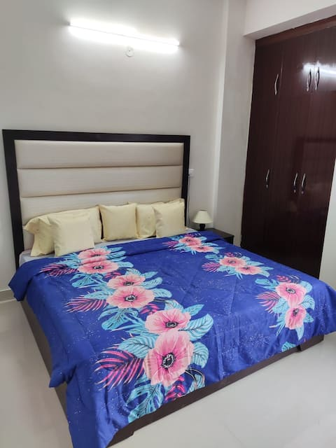 Pari House with luxury accomodation  for 4 Adults