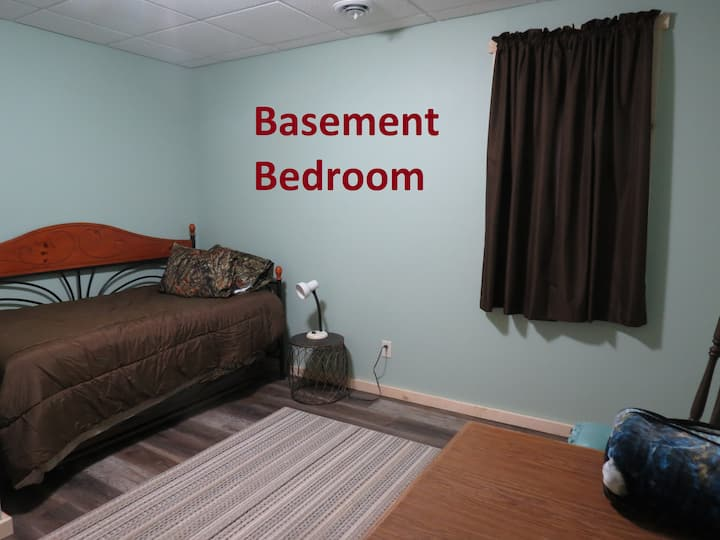 ROSEDALE LODGE--Basement Bedroom-Day Bed & Trundle