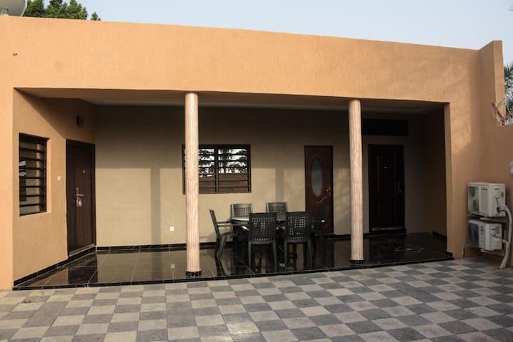 Maison meublè au quartier Adidogomè