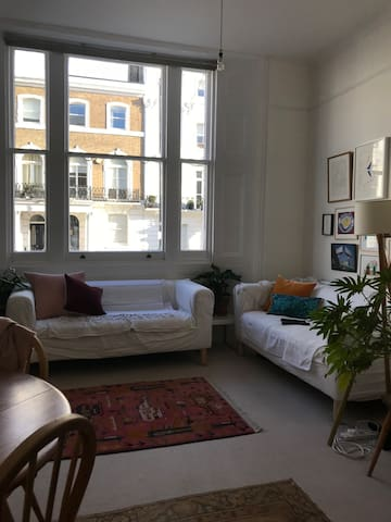 Private room in central Chelsea