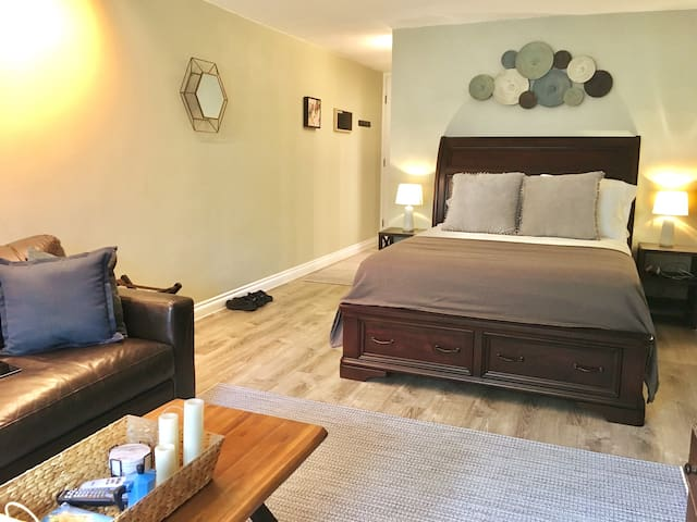 Cozy apartment in central Kona