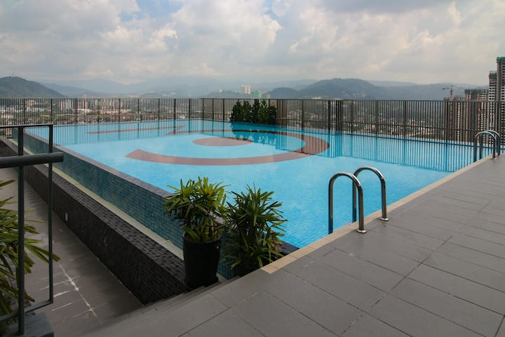 Lavish 3Towers 1BR Studio near KLCC - ON SALE!!