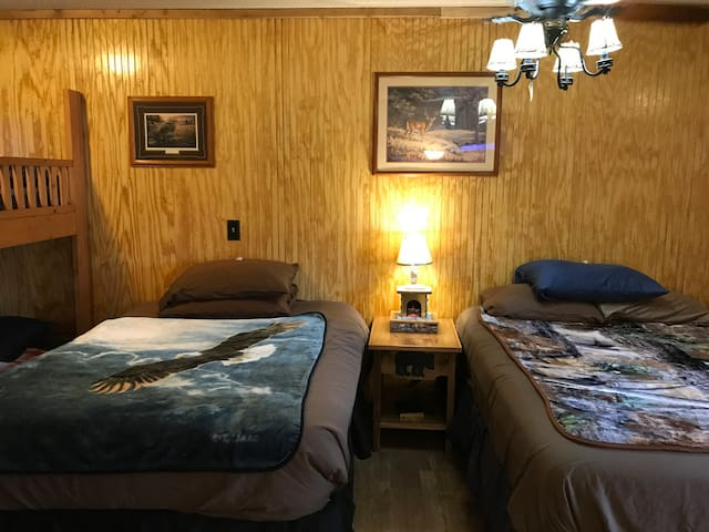 Room 2 · Best Bear Lodge near Caberfae