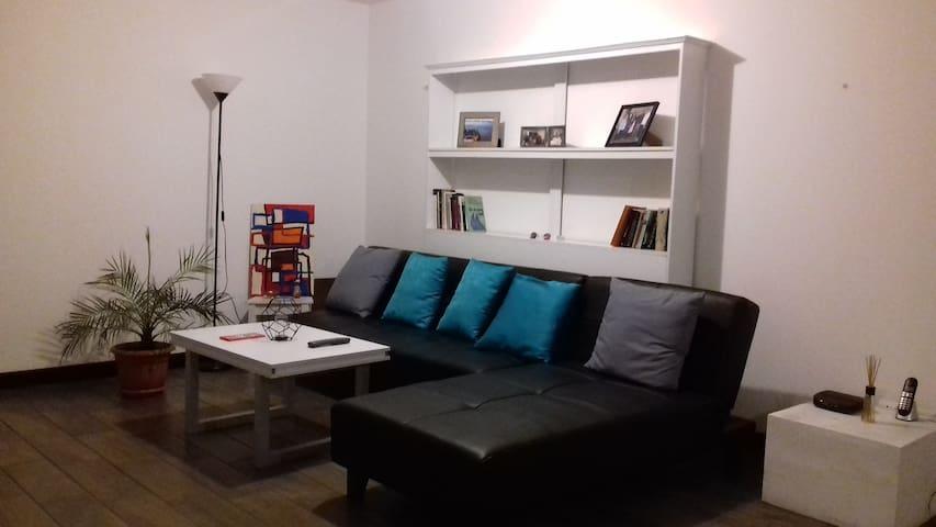 Moderna habitación a 10 minutos de Zona Viva