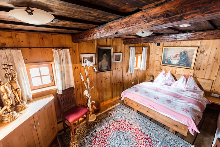 Napoleonvilla Schlafkammer 2
