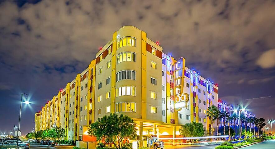 One-Bedroom Resort Unit in Las Vegas