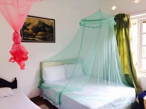 Mahaliyedda Rest-Queen Bed & Single Bed (1)