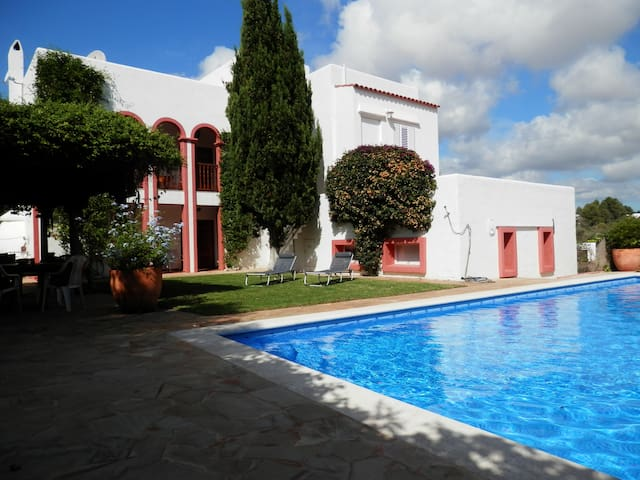 Nice cherished family holiday home - Siesta - Villa