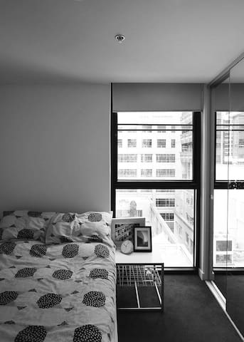 Cosy room in a cute CBD apartment