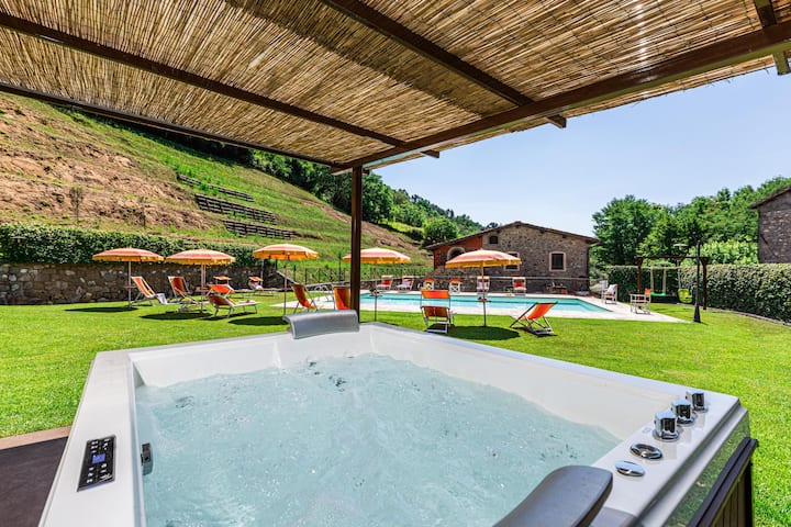 Zita, spacius apartment with shared pool