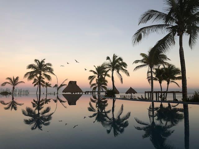 OCEAN FRONT  Apartement in Paradise!
