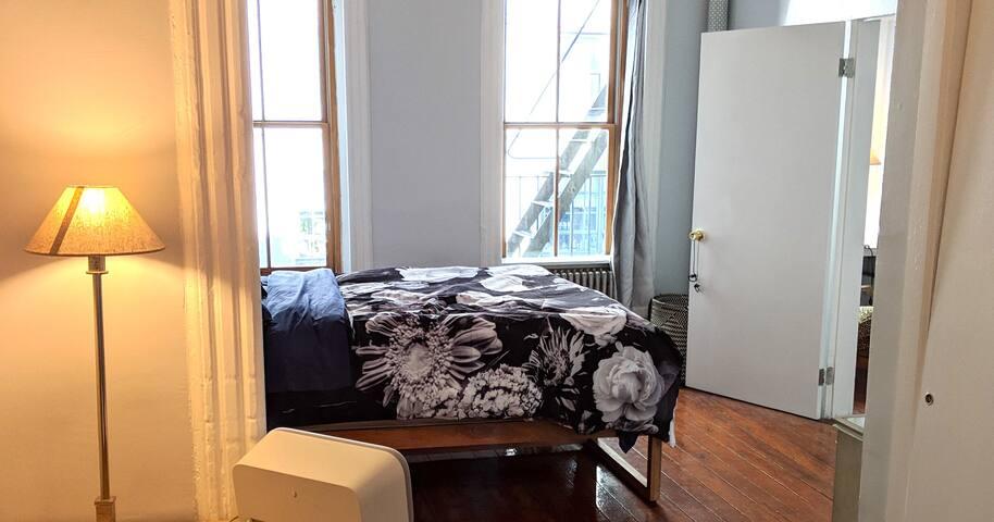 Huge, luxury 1 bedroom apartment in prime TriBeCa