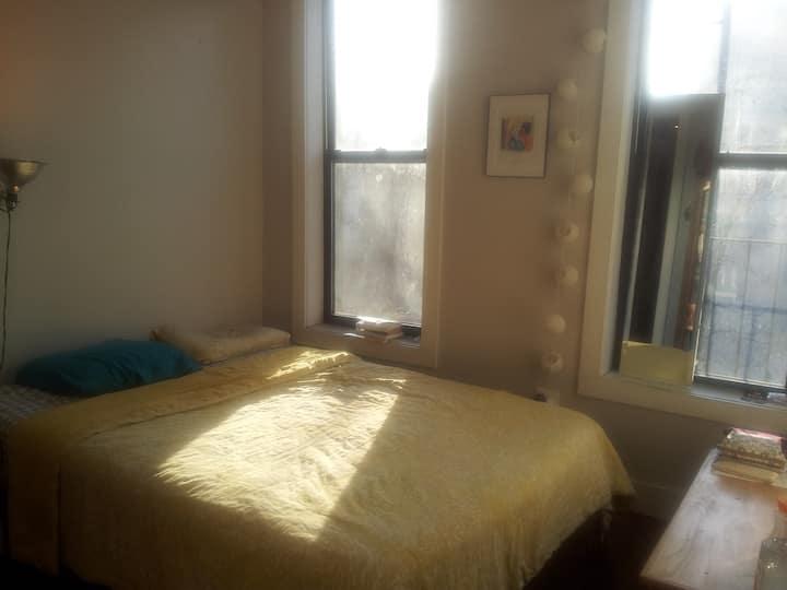 Lovely Spacious Room in Bushwick