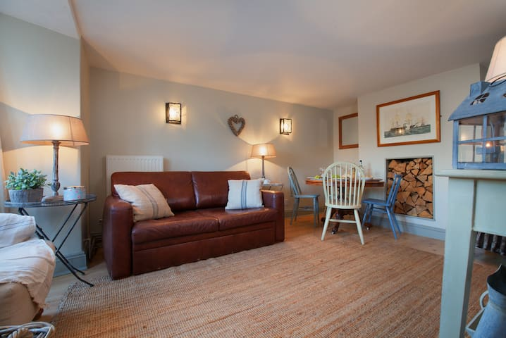 Compass Cottage - On the Green in Central Shaldon! - Shaldon - Huis