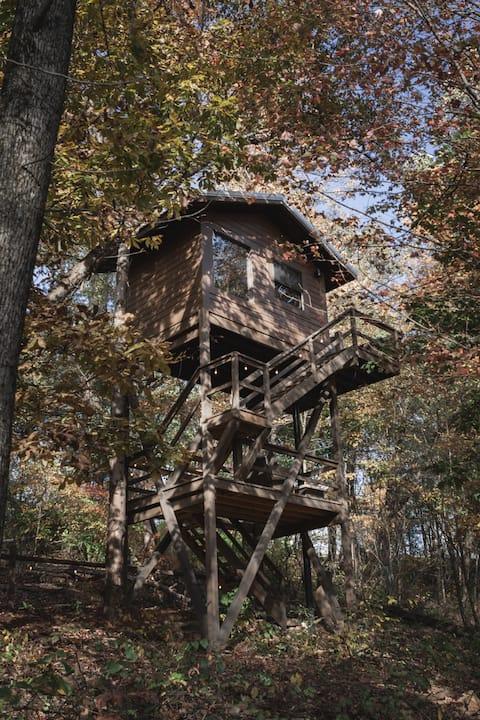 Treehouse Village - The Sky Loft