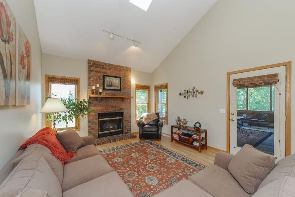 Upstairs Living Room & Fireplace