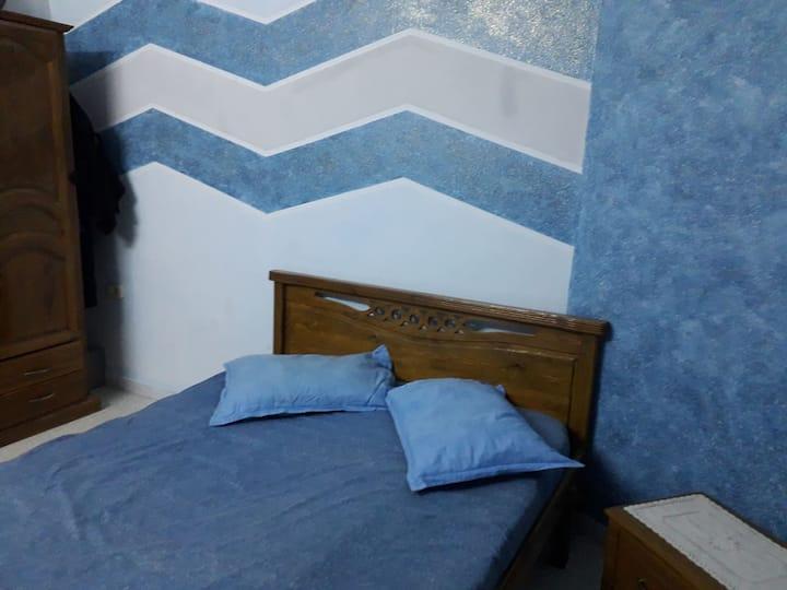 Belle chambre spacieuse à centre ville Sfax.