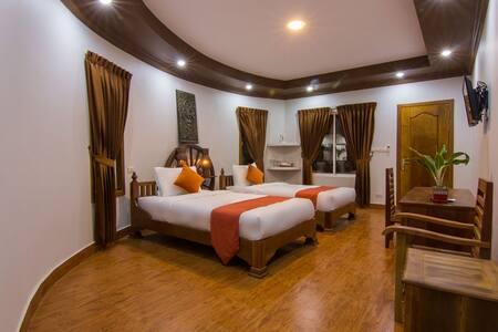 RAVORN VILLA BOUTIQUE AND RESTAURANT - Krong Battambang - Boetiekhotel