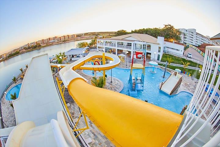 Resort Parque Aquatico 2 dorm, comodidade Diversão