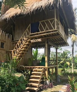 Ayu treehouse
