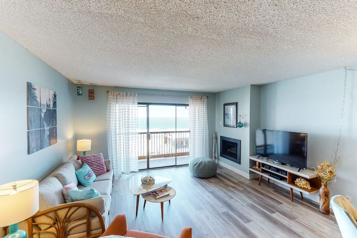 Bright, dog-friendly condo w/ocean views from the balcony