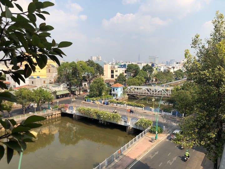 Mặt tiền Hoàng Sa, Q3, view sông - Tầng 2