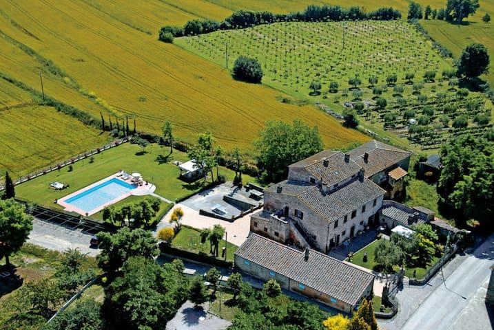 Fattoria Le Giare - Spiga, sleeps 4 guests - Fratticciola