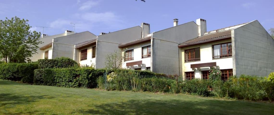 Colocation Demeter - Ris-Orangis - Casa