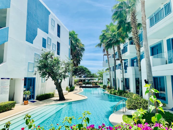 O2 Penthouse Pool View 2 BR Santora Huahin # BN