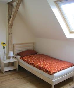 Zimmer mit Aussicht - Springe - Talo