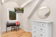 Private Woodinville luxury 1BR loft