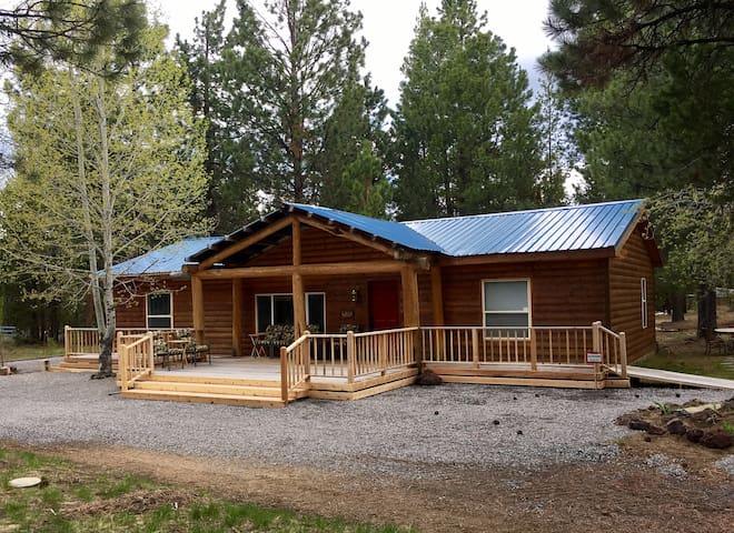Log Cabin at Lazycamp