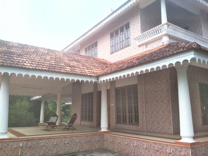 """""""Aarohanam""""; the Ascent - Wayanad Home with a View"""