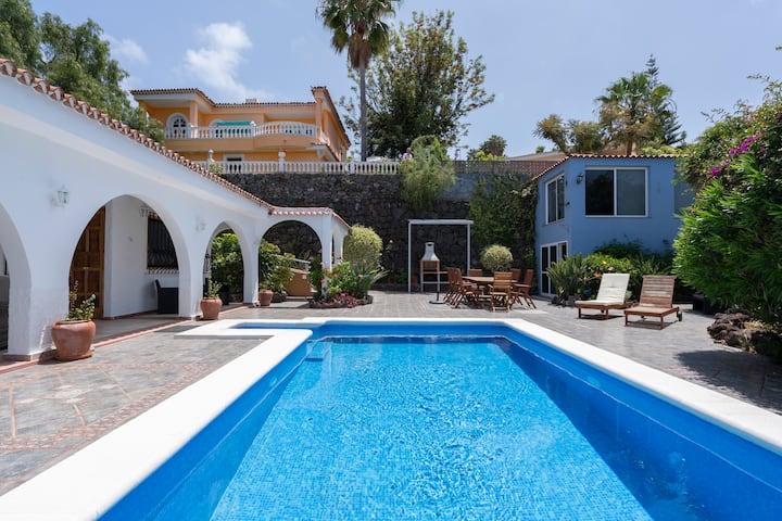 Villa Marina - vistas de mar y montaña