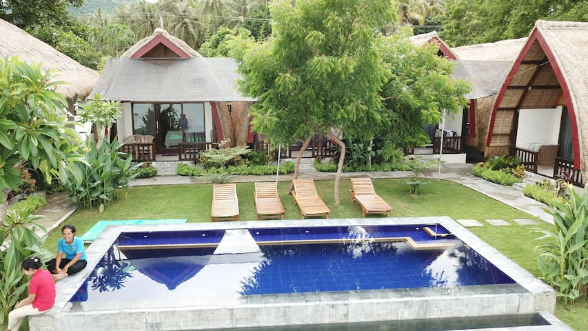 Krisna Bungalow-Lumbung Deluxe with Sea View