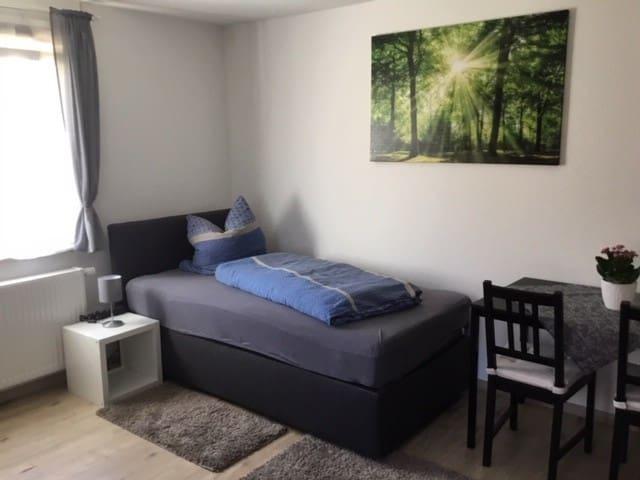 Schöne renovierte 2 Zimmerwohnung (4 Betten) Nr. 2