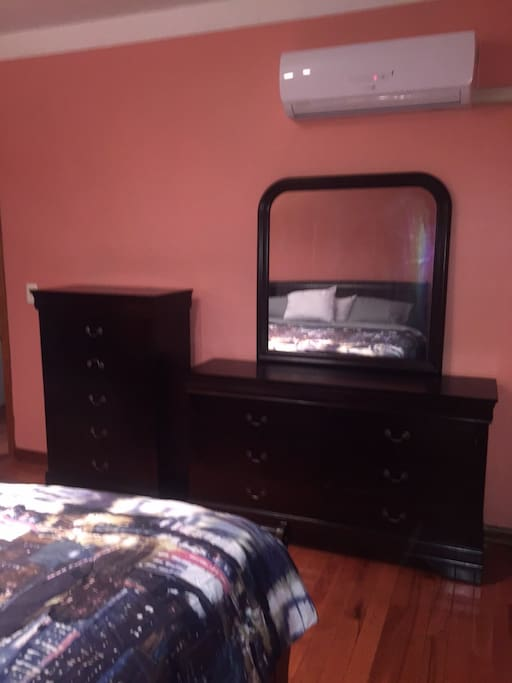 Kings size bed with chest & dresser flat TV