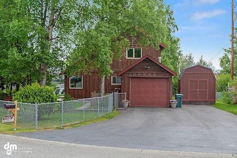 Modern & Unique South Anchorage Home