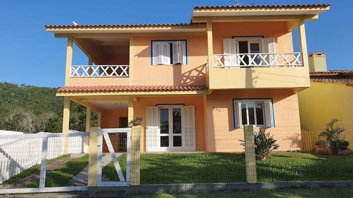 Apartamento em Garopaba, Centro, 3 quartos