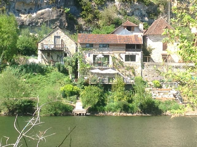 LA MAISON BLEUE au bord du LOT, Saint Cirq Lapopie - Saint-Martin-Labouval - Holiday home